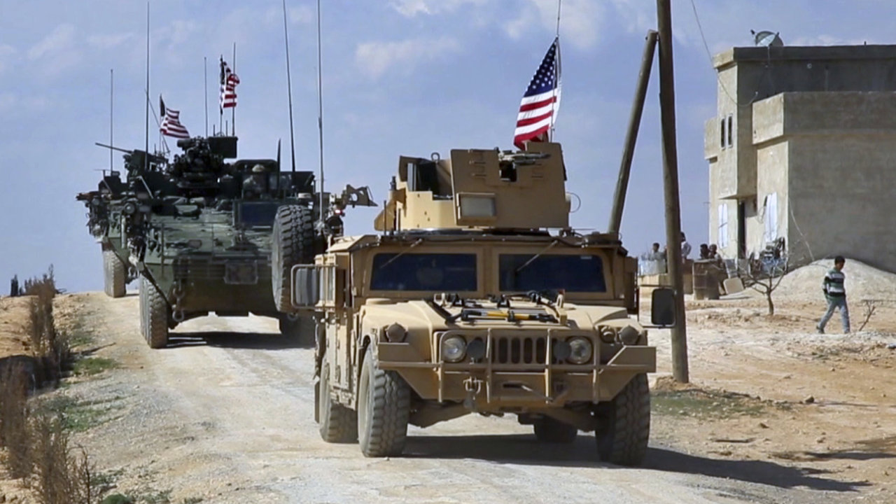Spojené státy poslali do Sýrie těžce vyzbrojené vojáky. Proti Islámskému státu