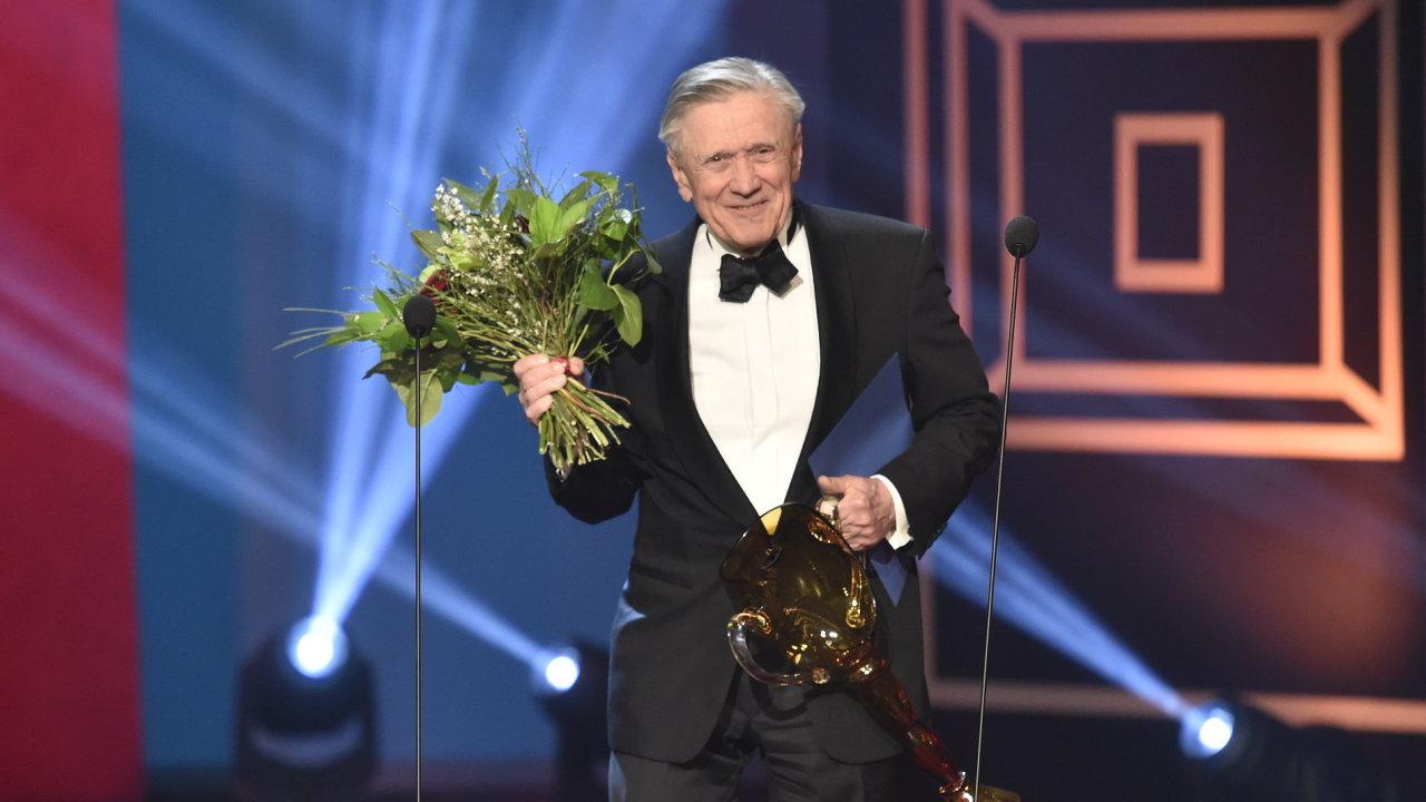 Herec Petr Kostka převzal ocenění za celoživotní mistrovství v oboru činohra.
