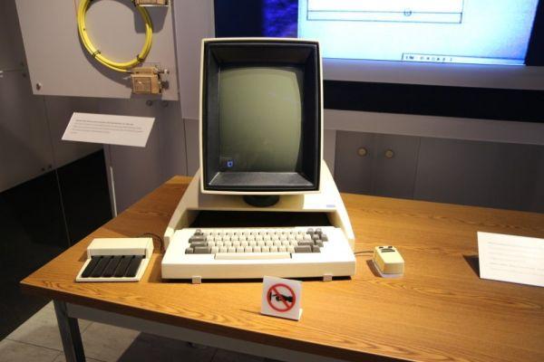 Historická počítačová myš