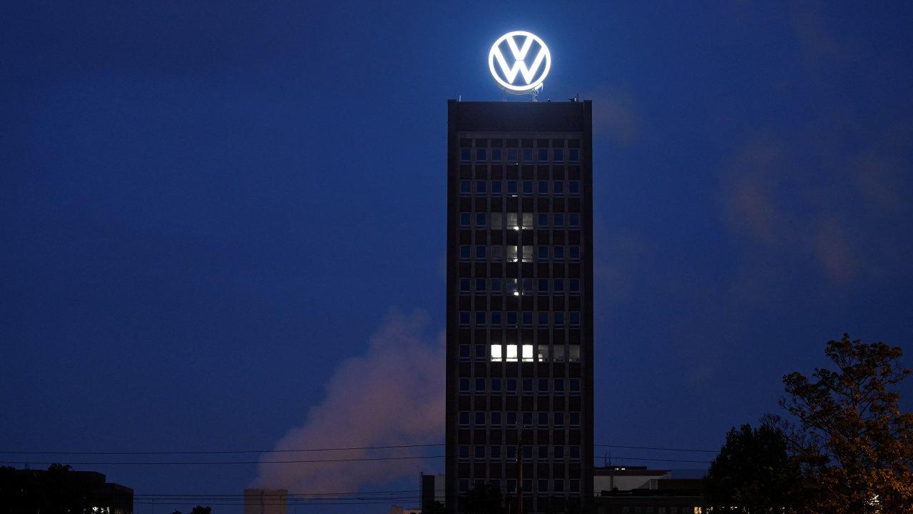 odhalení nového loga VW ve Wolfsburgu