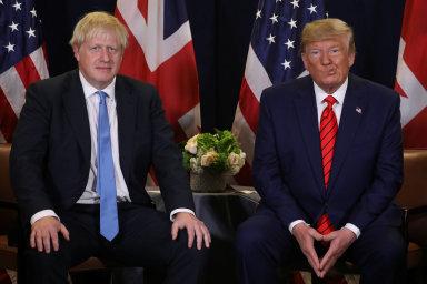 Britský ministerský předseda Boris Johnson a prezident Spojených států americkch Donald Trump.