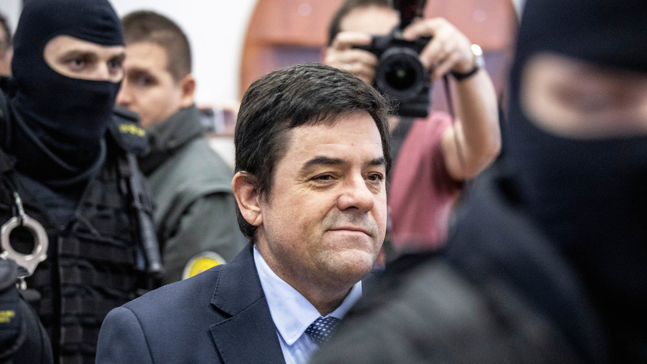 Marian Kočner, obžalovaný zobjednání vraždy, byl po většinu času jednání Speciálního soudu v Pezinku klidný. Znejistěl až třetí den, během výpovědi svého bývalého spolupracovníka Petera Tótha.