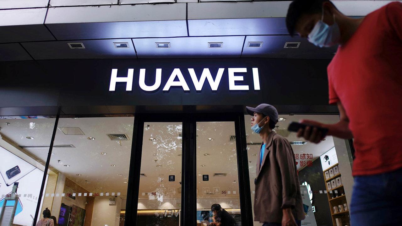 Posledních devět let prodejům mobilů vévodil jihokorejský Samsung. Počtvrtku už to ale neplatí. Předstihl ho čínský Huawei.