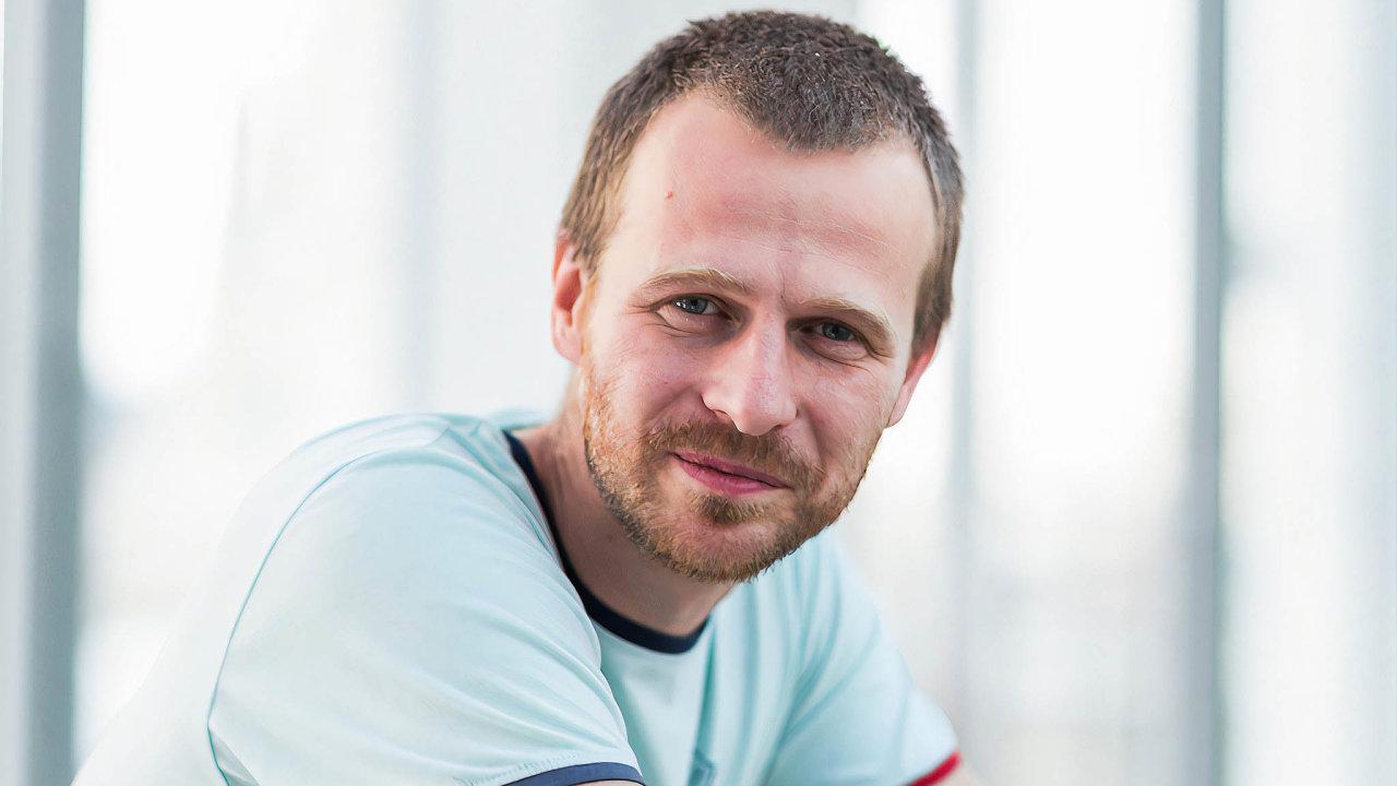 Málo dat anavíc častošpatná. Tomáš Fürst působí nakatedře matematické analýzy aaplikací matematiky Přírodovědecké fakulta Univerzity Palackého vOlomouci.