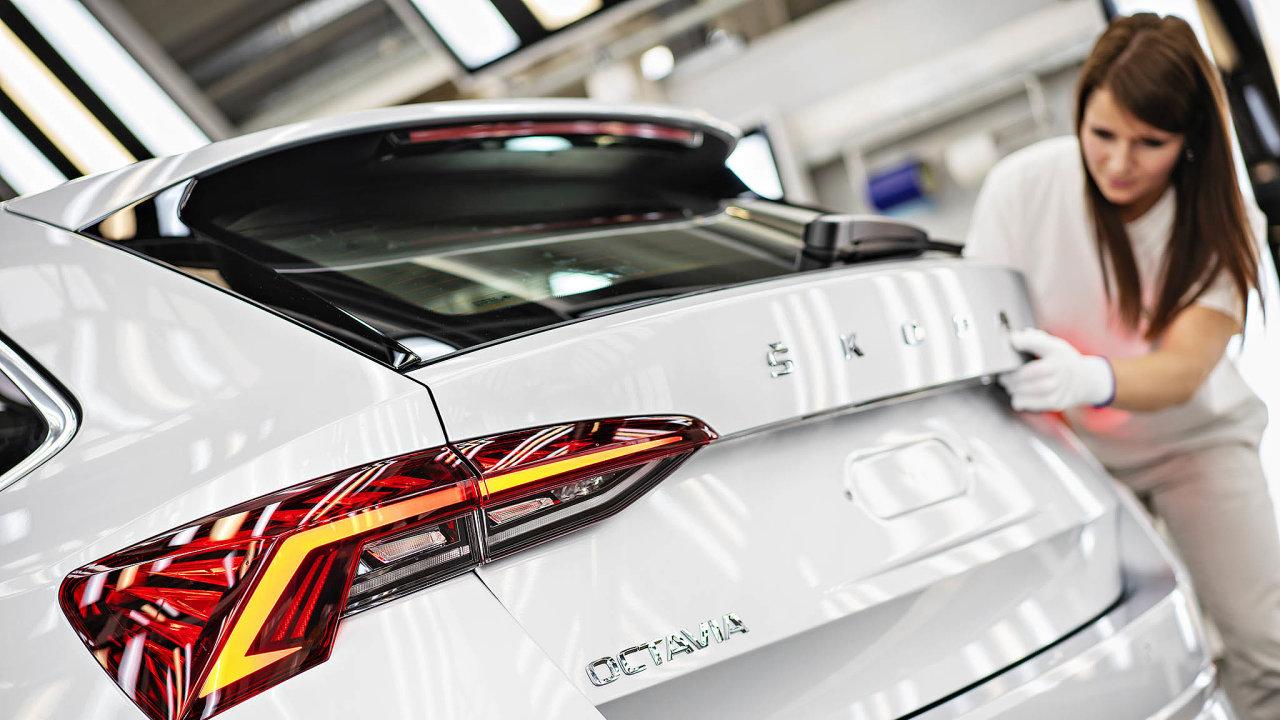 Koncernu Volkswagen chybí především čipy pro vozy, jako jsou Škoda Octavia či VW Golf.