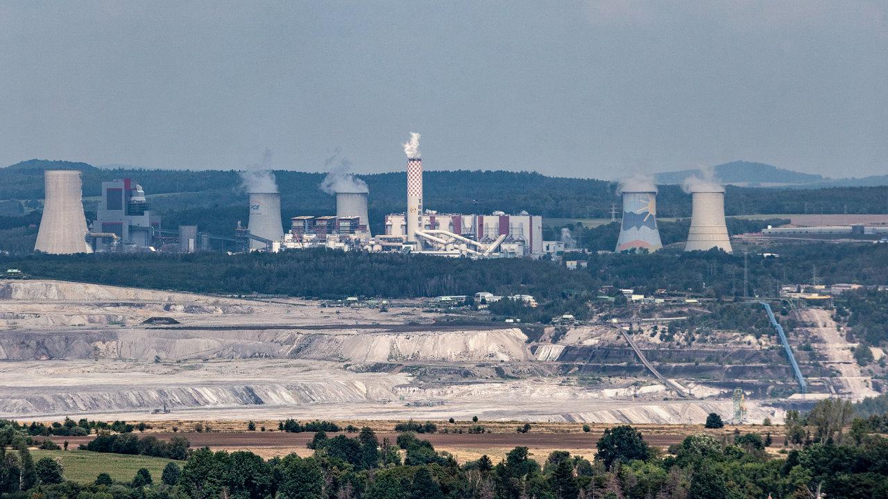 Polský hnědouhelný důl Turów na hranicích s Českou republikou