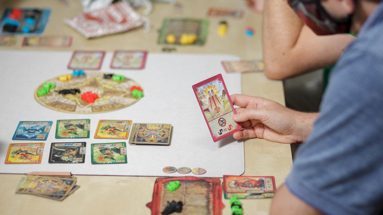 Ve Světě deskových her vpražských Vršovicích si zájemci mohou vherně vyzkoušet na 1500 deskovek.