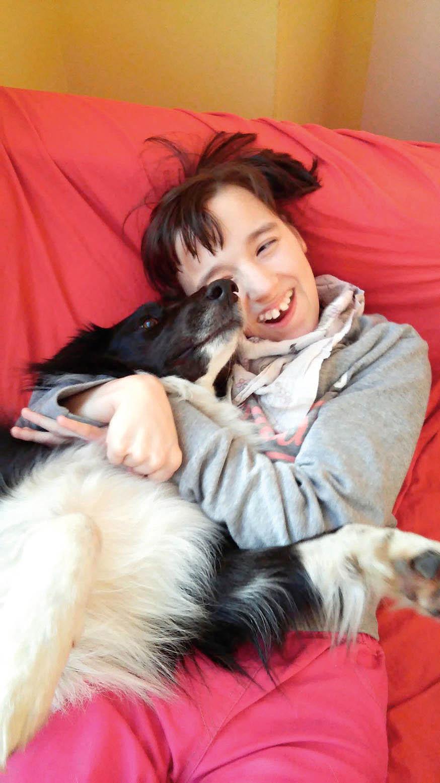 Udětí secanisterapie využívá nejenom vpřípadě různých typů postižení, ale ivrehabilitační praxi. Uautistů může pes dlouhodobým působením plnit roli prostředníka mezi jejich světem aokolím.