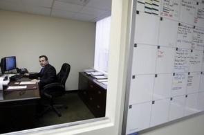 Kancelář, zaměstnanec, ilustrační foto