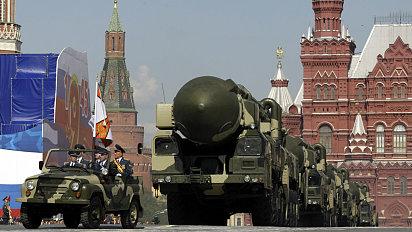 Kreml uprav� vojenskou doktr�nu v reakci na kroky NATO.