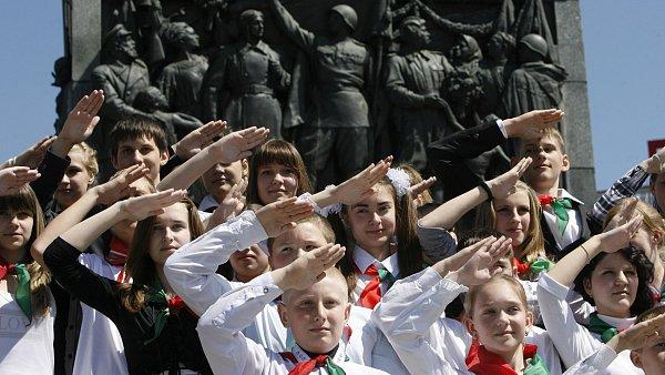 Bělorusko zavádí zákaz nočního vycházení pro mládež. Kdo ho poruší 1ec33fca4b3