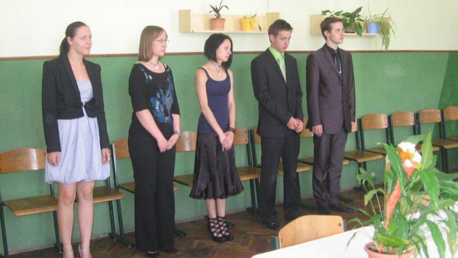 Mladoboleslavští studenti u maturity