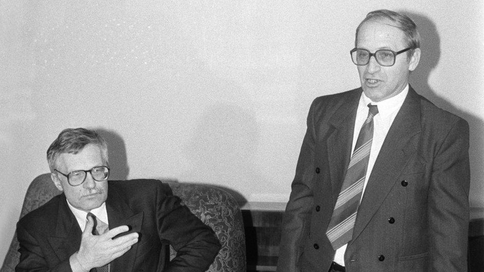 Václav Klaus a Jan Stráský na dobové fotografii z ledna 1993