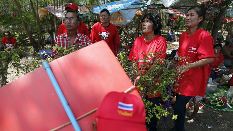 red shirt protesters thailand