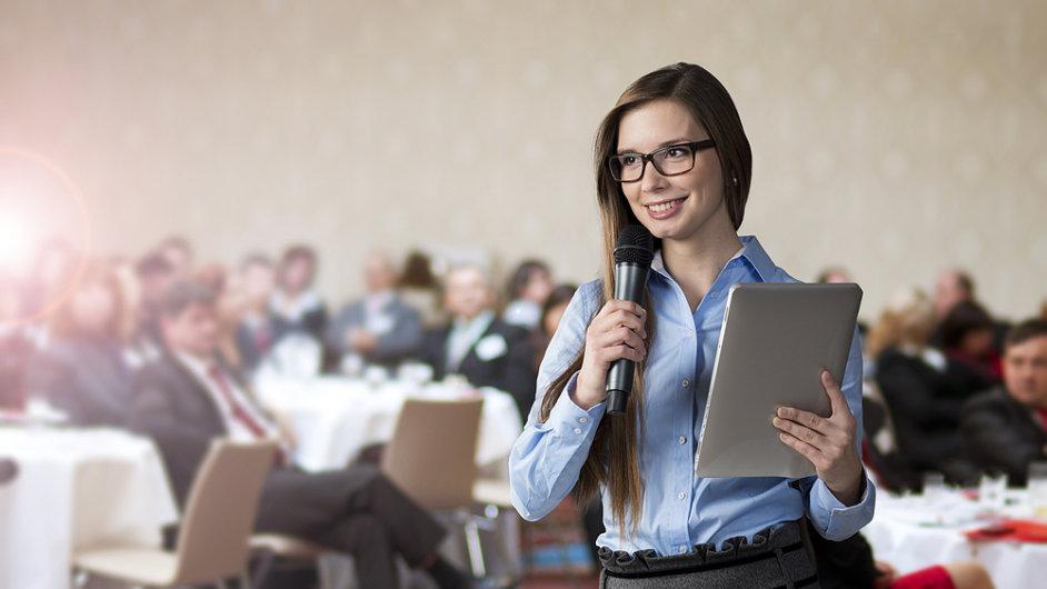 Mluvčí na konferenci