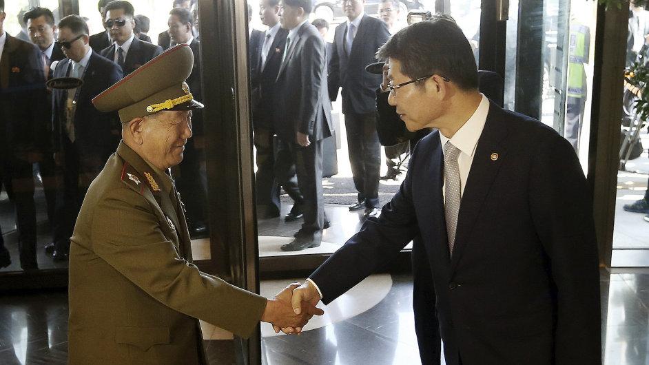 Delegace KLDR se sešla s jihokorejskými představiteli.