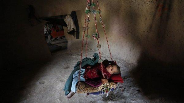 Afgh�nc�m hroz� hlad, budoucnost zem� je nejist�