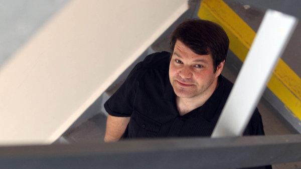 Na snímku z roku 2012 je redaktor vznikajícího deníku Tomáš Bella.