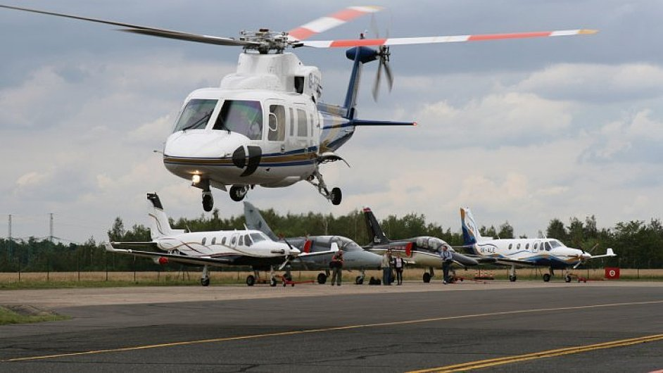 Kromě těla civilních vrtulníků vyrábí Aero i části vojenských a dopravních letadel.