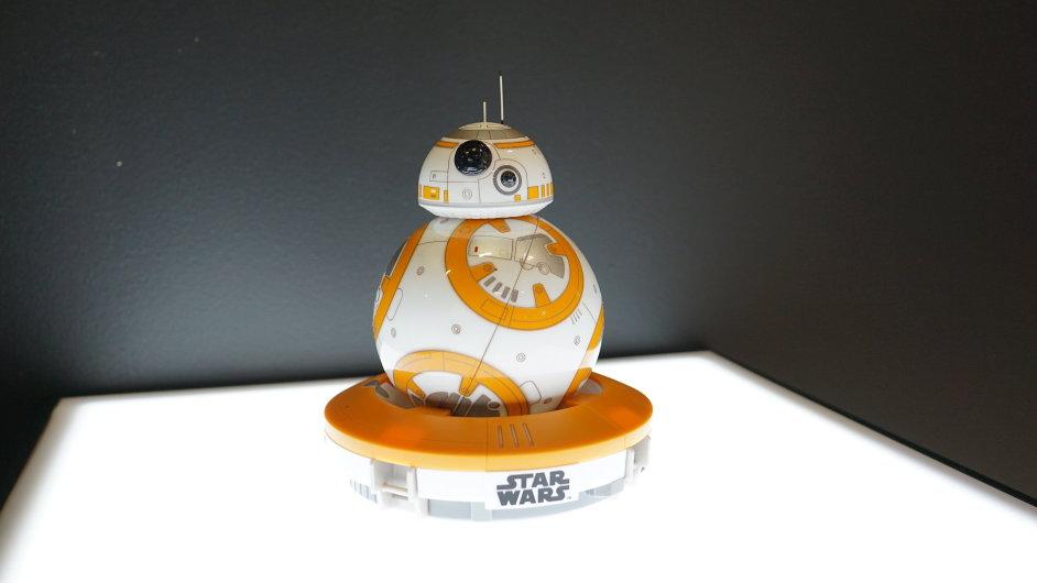 Robot Sphero BB-8 z chystaného filmu Hvězdné války na veletrhu IFA