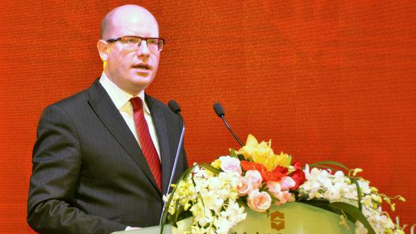 Premiér ČR Bohuslav Sobotka během návštěvy Číny.