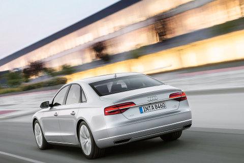 62 Audi A8 zadek