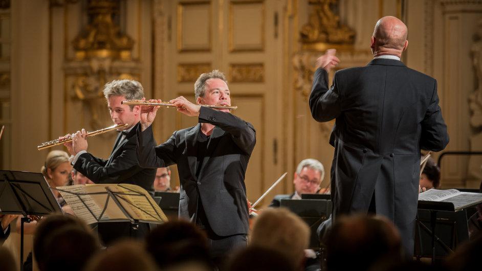 Snímek z pondělního zahajovacího koncertu PKF - Prague Philharmonia ve Španělském sále Pražského hradu.