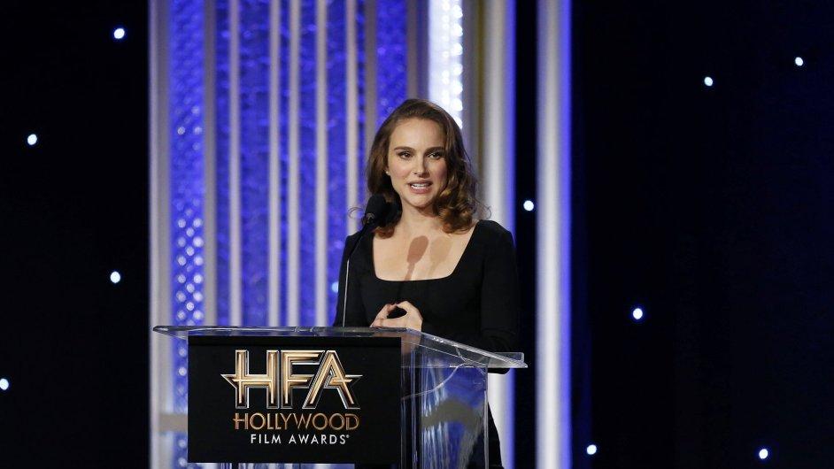 Natalie Portmanová již v americkém Beverly Hills za film Jackie převzala hollywoodskou hereckou cenu.