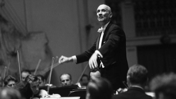 Jediný návrat: Karel Ančerl se posovětské okupaci vrátil doPrahy jen naskok. Nafestivalu Pražské jaro 1969 řídil svoji někdejší Českou filharmonii.