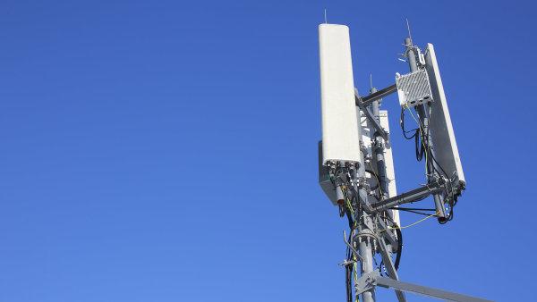 ČTÚ hrozí operátorům odebráním licence, pokud nesníží ceny za data. Vodafone tak prý už udělal, O2 se chystá
