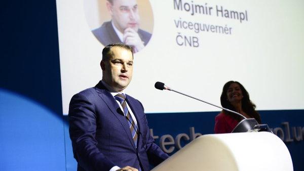 Viceguvernér ČNB Mojmír Hampl během projevu na konferenci Fintech (r)evoluce.