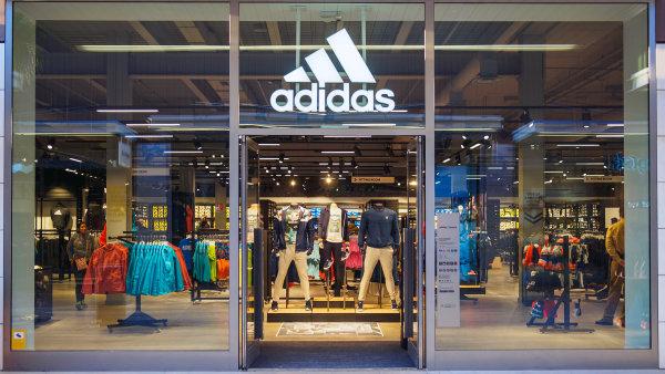 Německý Adidas navýšil čistý zisk o 36 procent.