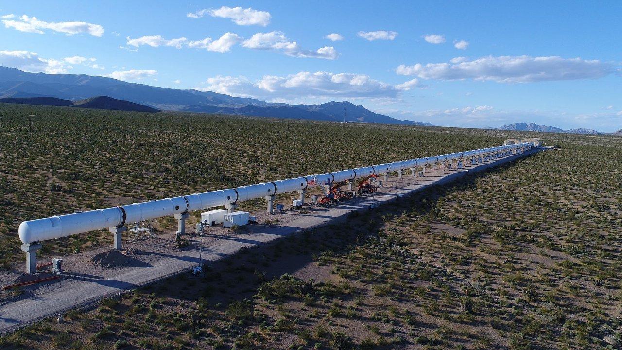 Trubkové tunely hyperloopu.
