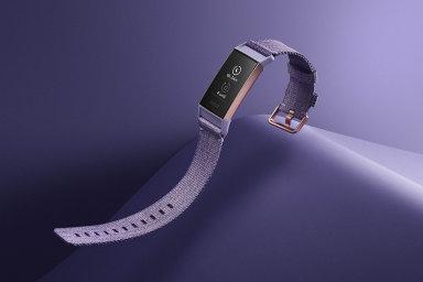 Fitbit Charge 3 je znovu blíž ideálu. Poradí si se stovkou bazénů a vydrží týden bez nabíječky