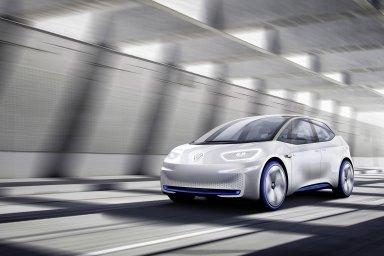 Volkswagen v listopadu oznámil, že do roku 2023 hodlá do vývoje elektromobilů a autonomních aut investovat 40 miliard eur. Prvním modelem vyvinutým díky těmto investicím by měl být Volkswagen ID.