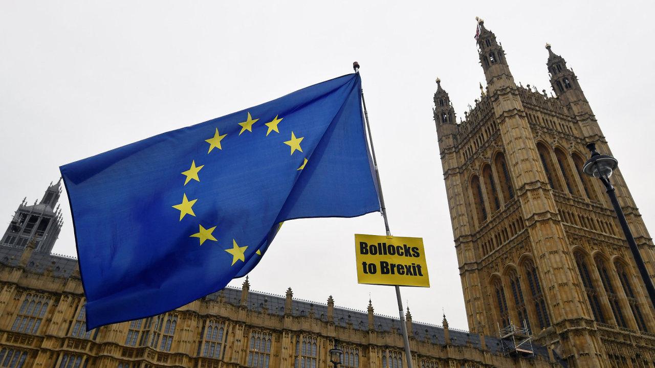 Spojené království má Evropskou unii opustit 29. března.