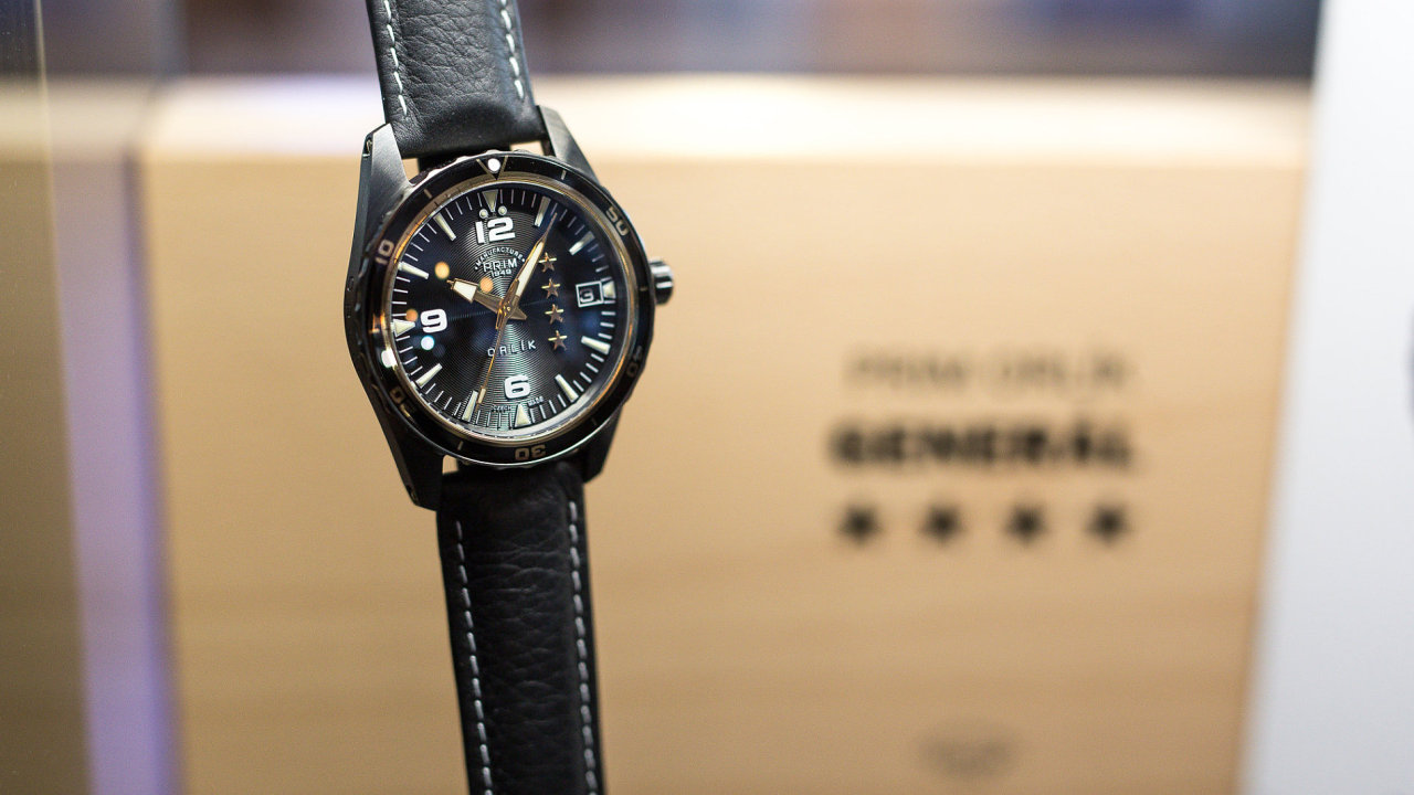Spor o autorství loga hodinek Prim vyhrála Elton hodinářská zbrojaře  Strnada. Soud zamítl žalobu dědiců výtvarníka Rathouského b14ea360f6