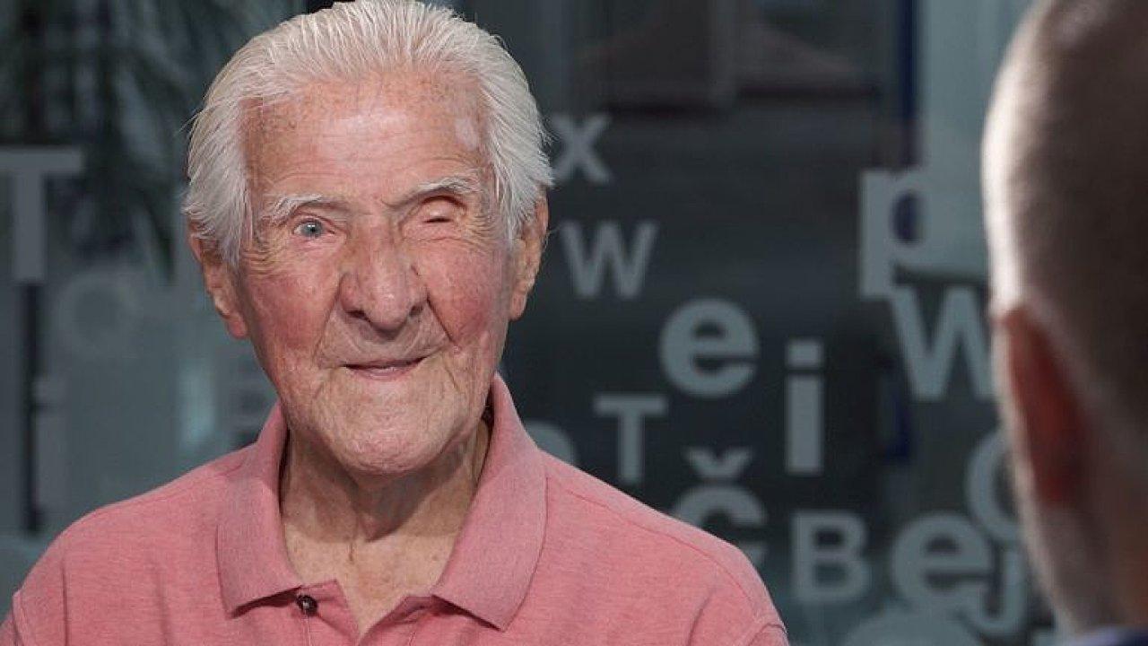 Ve 102 letech skočil padákem. Nic už mě nepřekvapí, říká bývalý politický vězeň