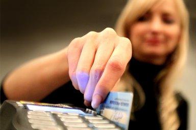 Platby kartou v cizině využívají stále jen dvě třetiny Čechů - Ilustrační foto.