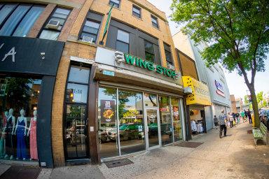 Jedním z amerických řetězců rychlého občerstvení je Wingstop. Nasnímku je jedna z jeho provozoven vNew Yorku.