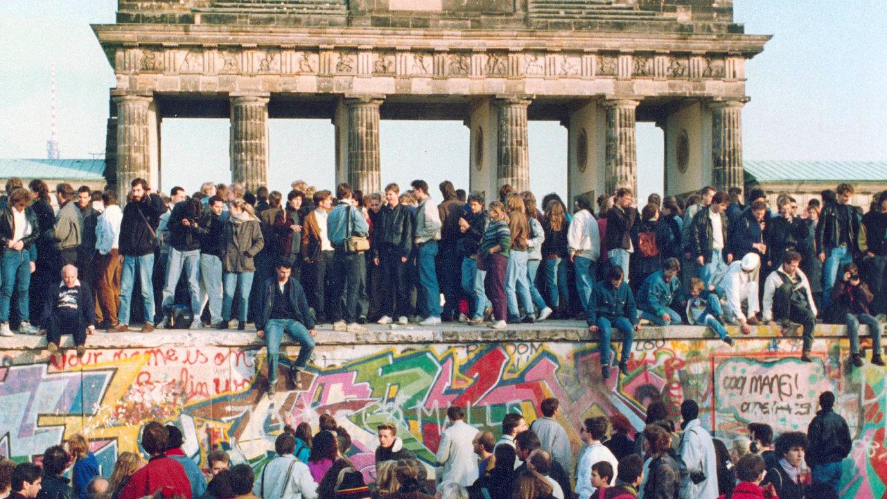 Konečně padla. Jedno město, dva režimy. To byl Berlín rozdělený zdí.