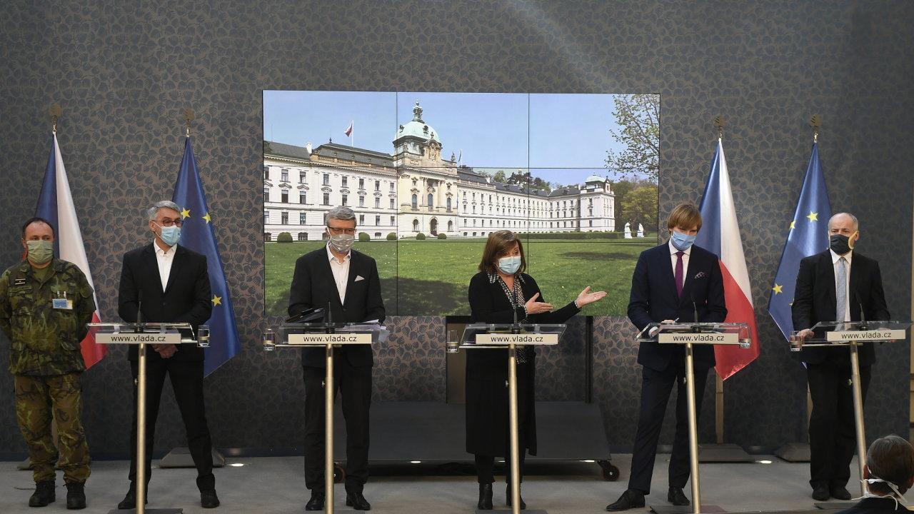 Tisková konference po mimořádném jednání vlády k opatřením k omezení dopadů koronavirové krize 26. března 2020 v Praze.