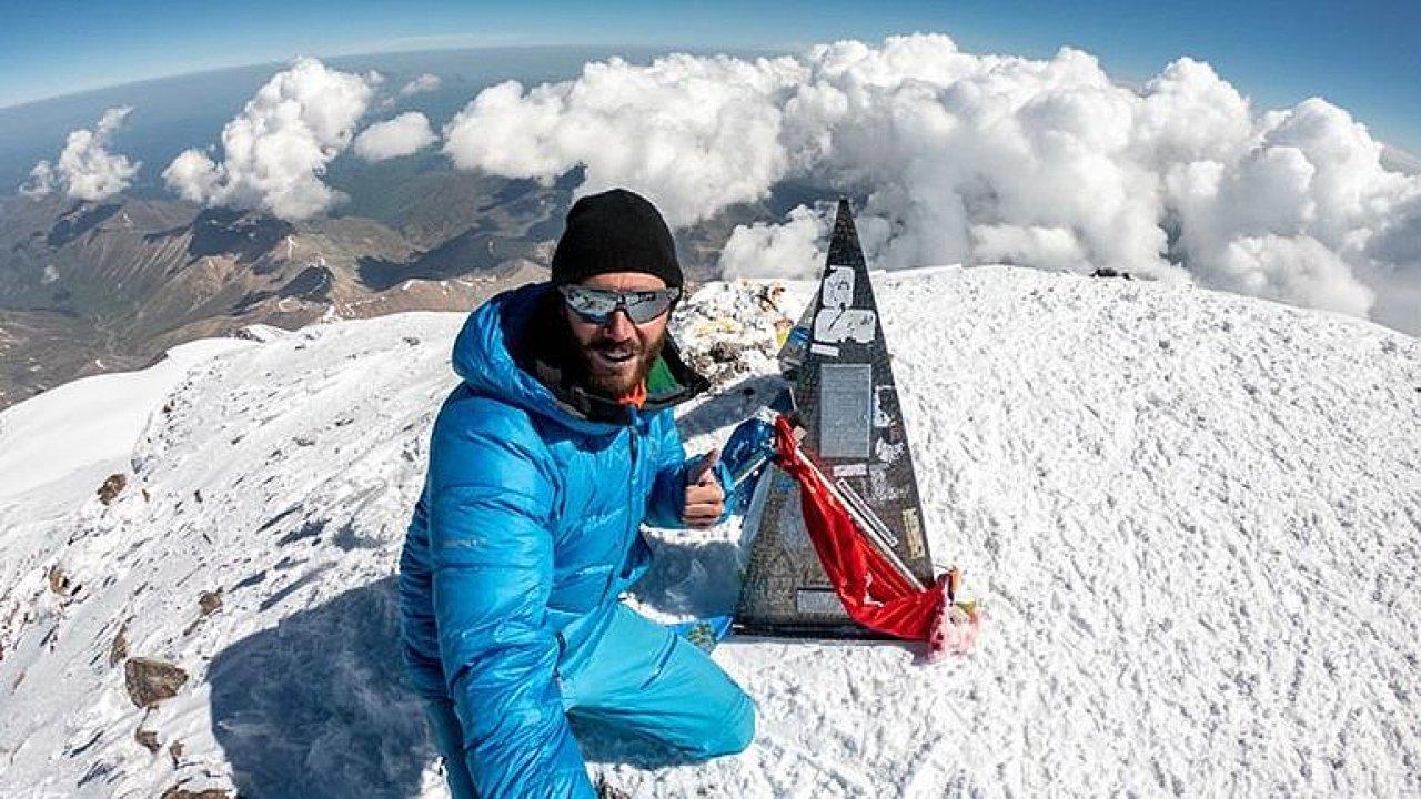 Zdolal všechny vrcholy Evropy: Mám světový rekord, na vrcholu si vždy dám pivo, říká