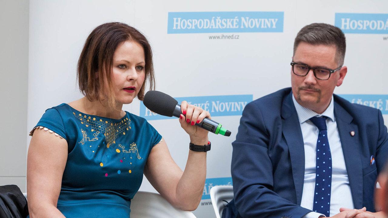 Helena Horská, hlavní ekonomka Raiffeisenbank, patří k těm, kdo kritizují dopady zrušení superhrubé mzdy na státní rozpočet.
