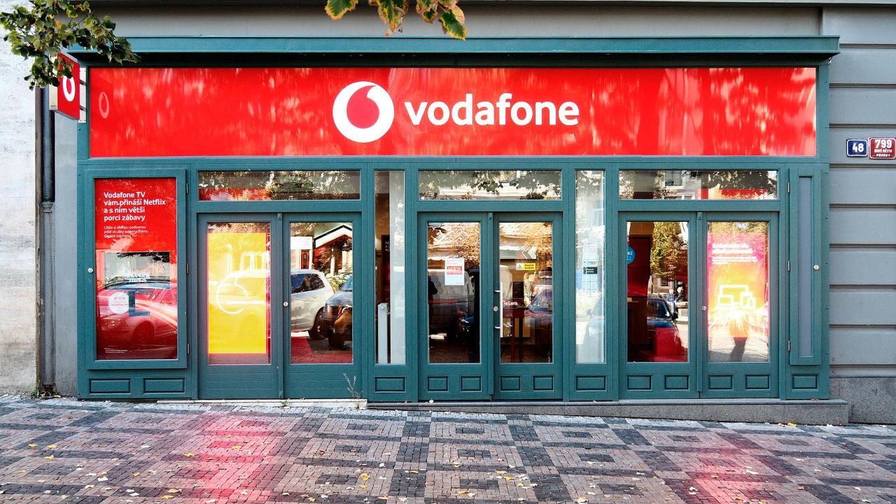 Energetická skupina ČEZ chce koupit Vodafone.
