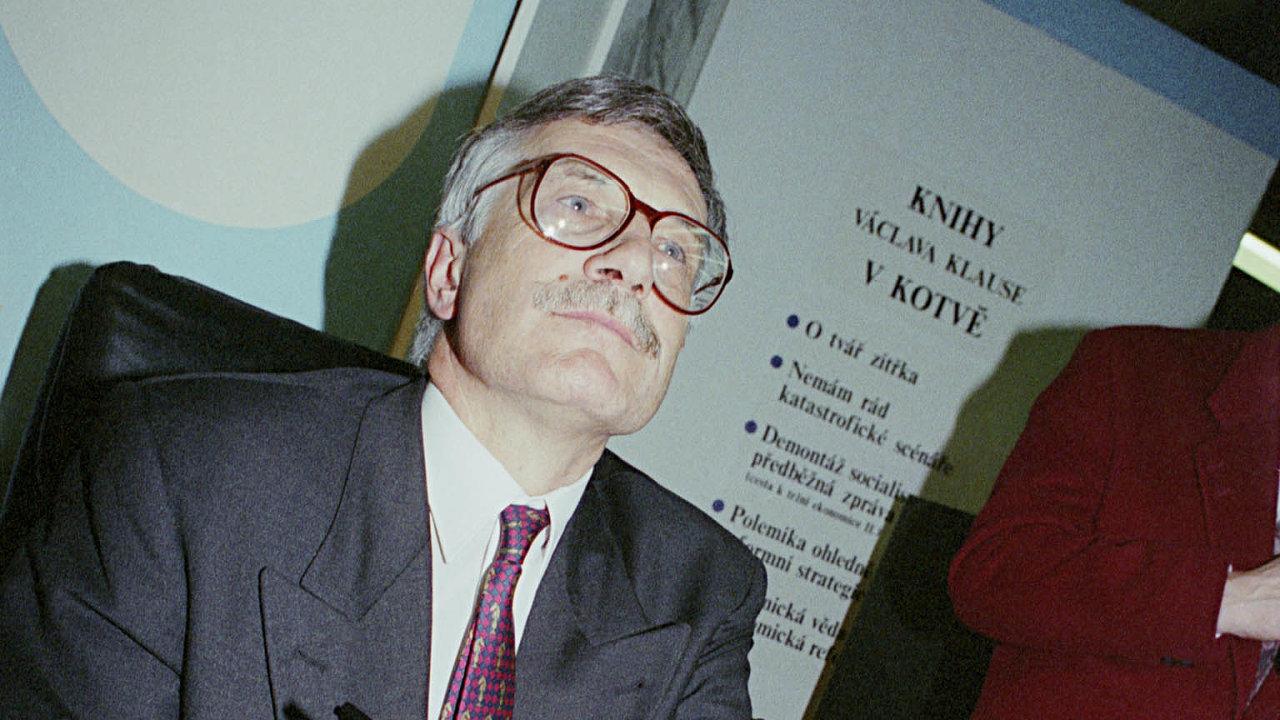 Tvář kuponovky. Václav Klaus nebyl autorem myšlenky kuponové privatizace, ale dokázal ji využít ikesvému politickému úspěchu.