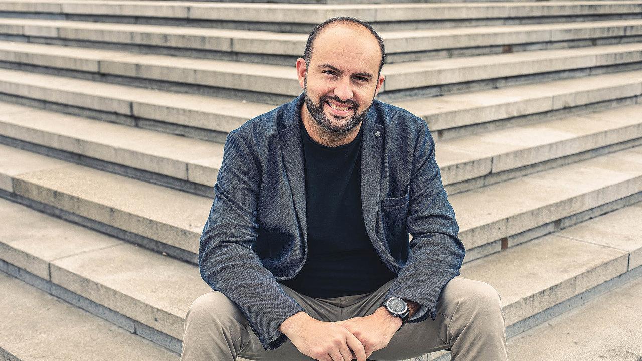 Najihoafrickém trhu vnímám velkou poptávku poe-commerce. Jsou vtom nicméně pět až sedm let zanámi ateď teprve začíná velký boom, říká Miroslav Michalko, ředitel echnologicko-přepravní společnosti Zaslat.cz.