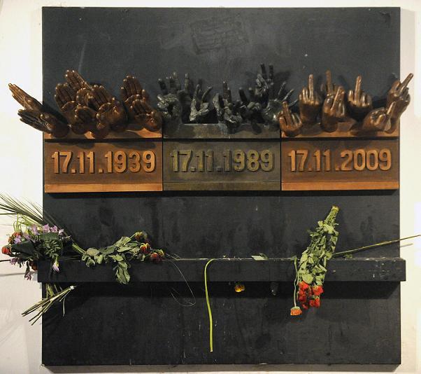 Upravený památník 17. listopadu