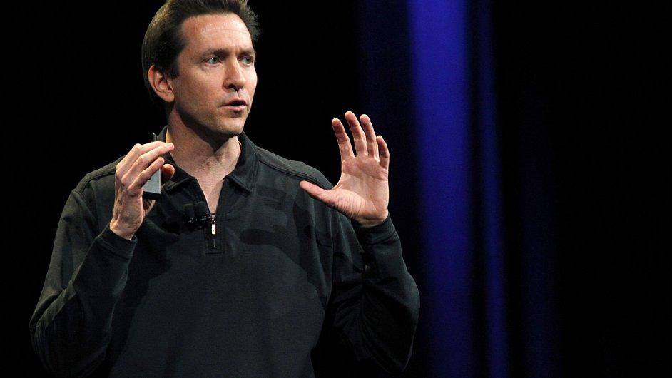 Ředitel divize Applu pro software Scott Forstall.