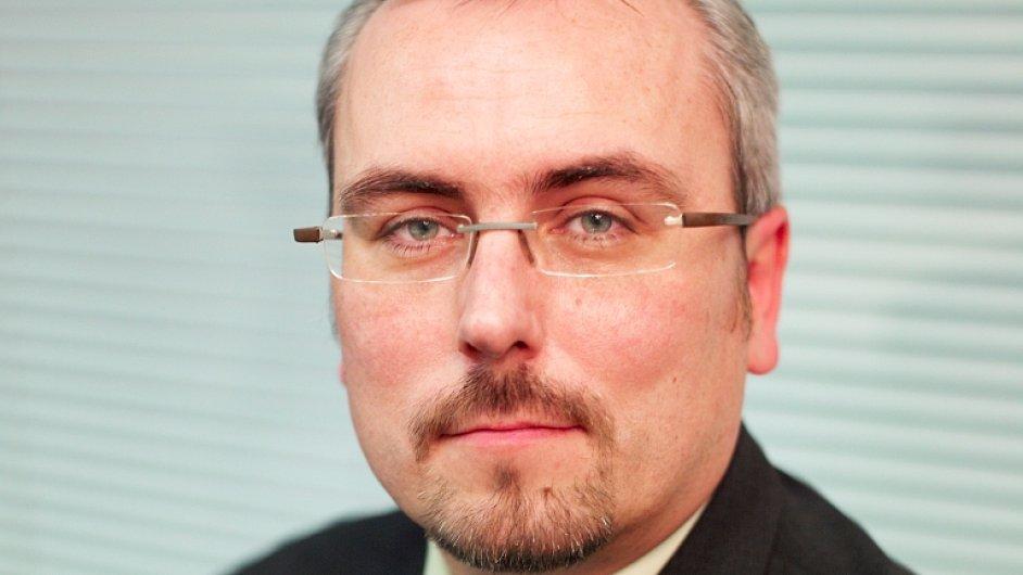 Petr Dufek, analytik ČSOB: Českou ekonomiku loni táhly automobilky, letos pomůžou ceny ropy